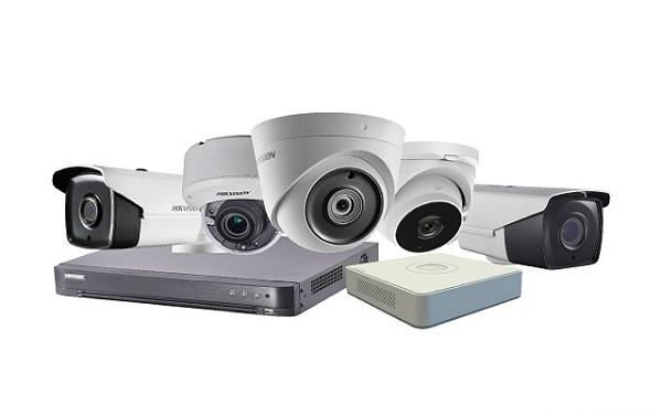 Camera giám sát có khả năng quan sát được tất cả mọi thứ xung quanh và ghi lại mọi hành động diễn ratrong ngày